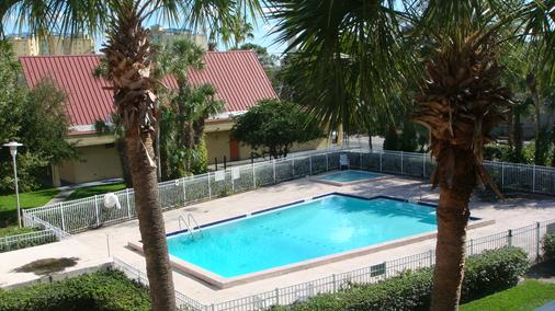 Remington Inn and Suites - Altamonte Springs - Pool