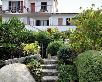 Boutique Hotel Ilio - Marciana - Vista del exterior