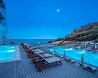 Sol Beach House Ibiza - Ibiza-stad - Zwembad