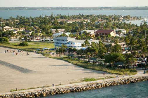 Rhumcay Beach Resort - Fort Pierce - Außenansicht
