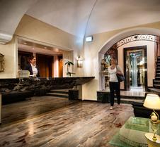 瑞斯騰斯德蘭傑洛酒店