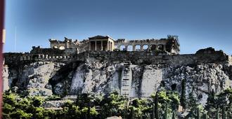Theasis Athens - Ateena - Näkymät ulkona