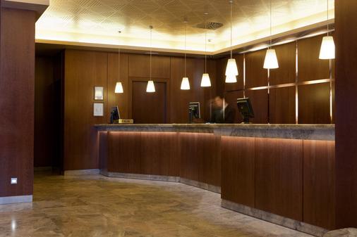 Hotel Praga - Madrid - Recepción