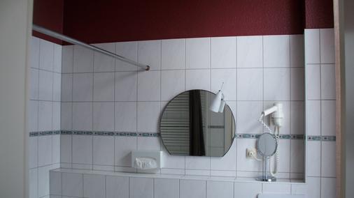 Hoffmanns Gästehaus - Thale - Bathroom