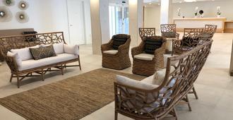 Beachcomber Resort & Club - Pompano Beach - Living room