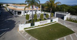 The Magnolia Hotel - Almancil - Gebouw
