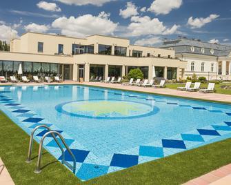 Hotel Château Amade - Dunajská Streda - Gebäude