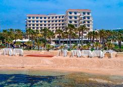 Aquamare Beach Hotel & Spa - Paphos - Beach