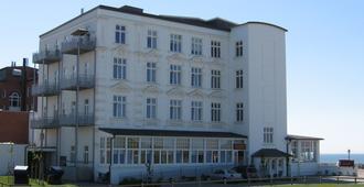 Strandhotel Hohenzollern - Borkum - Building