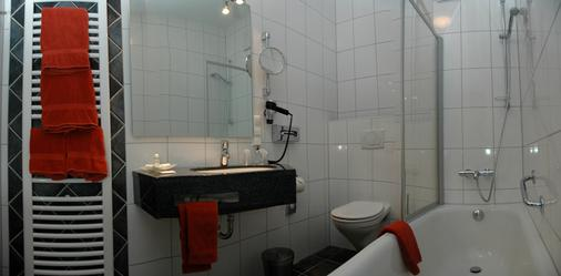 Strandhotel Hohenzollern - Borkum - Bathroom