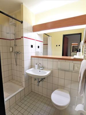 Acron Hotel Quedlinburg - Quedlinburg - Kylpyhuone