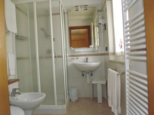 Hotel Relais Grünwald - Cavalese - Bathroom