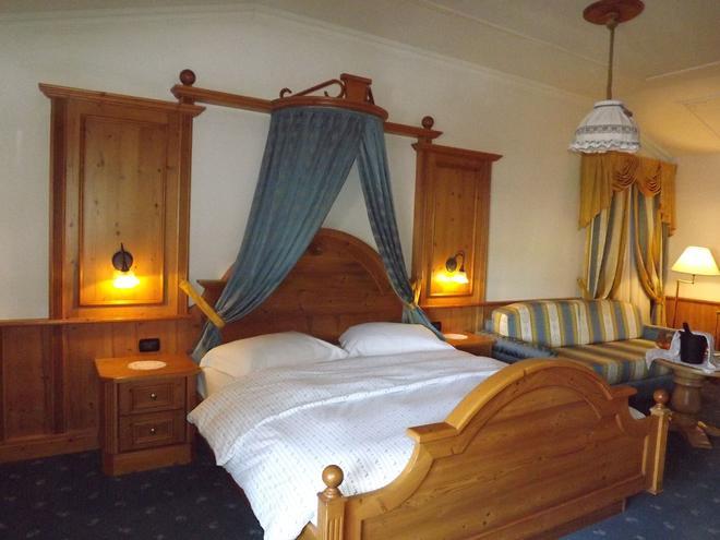 Hotel Relais Grünwald - Cavalese - Schlafzimmer
