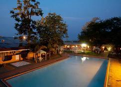 Oasis Motel - Gaborone - Basen