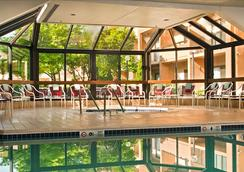 Courtyard by Marriott Dulles Airport Chantilly - Chantilly - Pool