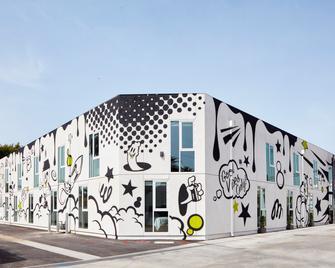 Mayumi - Culver City - Building