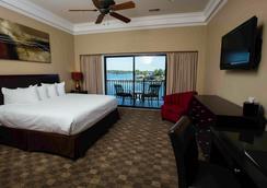 Camden on the Lake Resort - Lake Ozark - Bedroom