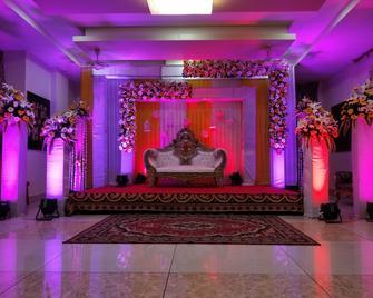 Hotel Pushpak - Bhubaneswar - Servicio de la propiedad
