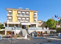 Hotel St. Moritz - Bellaria-Igea Marina - Building