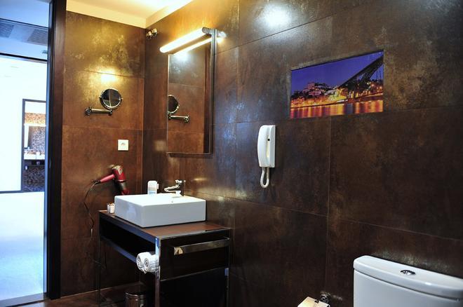 Axis Porto Business & Spa Hotel - Porto - Kylpyhuone