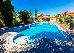 Le Lanterne B&b - Castel Porziano - Pool