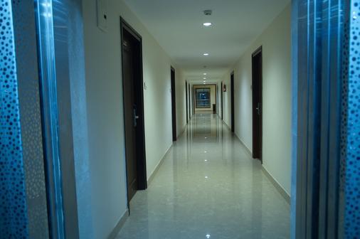 The Iris Hotel - Chennai - Tiền sảnh