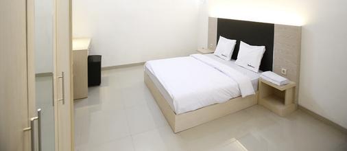 RedDoorz @ Jatiwaringin - Bekasi - Bedroom
