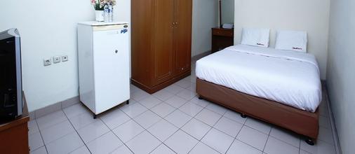 RedDoorz @ Karet Pedurenan 3 - South Jakarta - Camera da letto