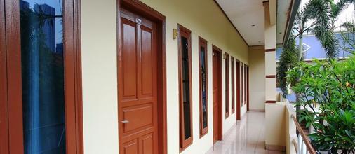 RedDoorz @ Karet Pedurenan 3 - South Jakarta - Balcone