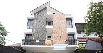 RedDoorz at Lebak Bulus - South Jakarta - Edificio