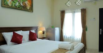 RedDoorz Nakula Sunset Road - Denpasar - Bedroom