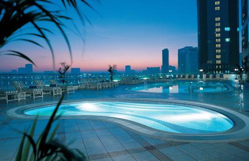 Hilton Sharjah - Sharjah - Pool