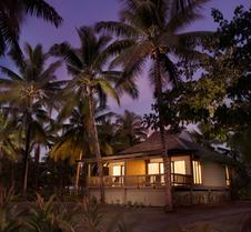 DoubleTree Resort by Hilton Fiji - Sonaisali Island