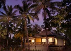 希爾頓逸林酒店 - 索乃薩里島度假村 - 索納薩利島 - 楠迪 - 建築