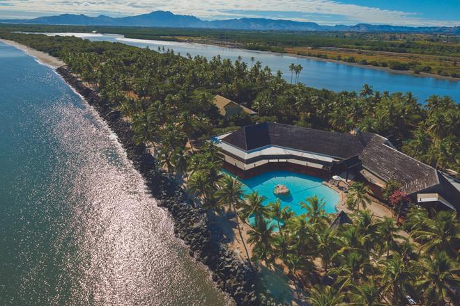 DoubleTree Resort by Hilton Fiji - Sonaisali Island - Nadi - Beach