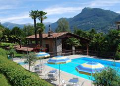 大陸公園酒店 - 盧加諾 - 盧加諾 - 游泳池