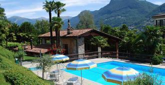 كونتيننتال بارك هوتل - لوغانو - حوض السباحة