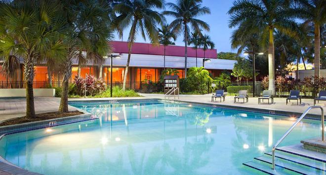 Miami Airport Marriott - Miami - Piscina