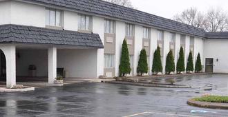Magnuson Hotel East Sandusky - Sandusky - Bâtiment