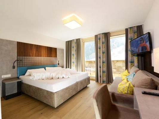Hotel Nassereinerhof - Sankt Anton am Arlberg - Bedroom