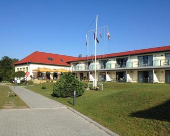 Aparthotel am Heidensee - Шверін - Building