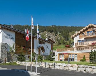 Hotelino Petit Chalet - Celerina/Schlarigna - Gebouw