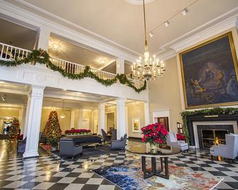 The Queensbury Hotel - Glens Falls - Salónek