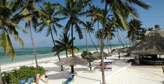 African Sun Sea Beach Resort & Spa - Zanzibar - Beach
