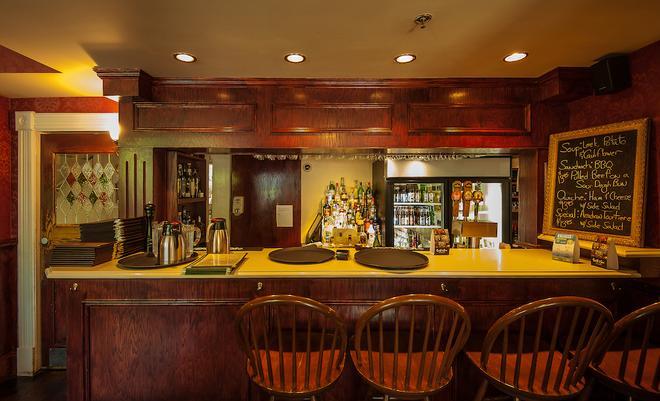 Dundee Arms Inn - Charlottetown (Prince Edward Island) - Bar