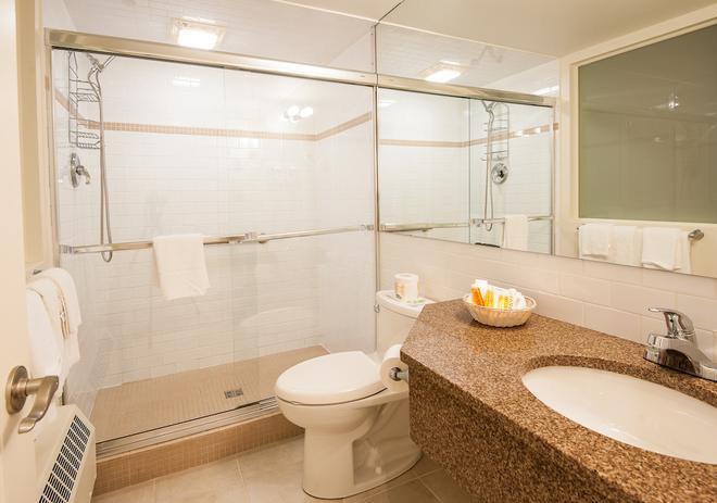 Dundee Arms Inn - Charlottetown (Prince Edward Island) - Bathroom
