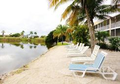 Marco Island Lakeside Inn - Marco Island - Beach