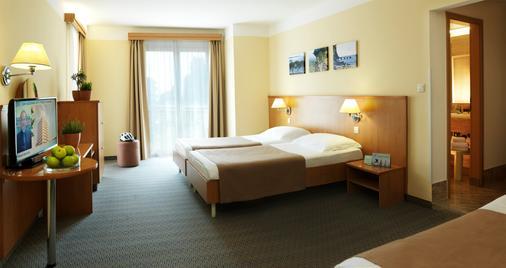 Act-ION Hotel Neptun - LifeClass Hotels & Spa - Portorož - Bedroom