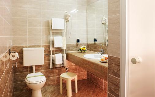 Act-ION Hotel Neptun - LifeClass Hotels & Spa - Portorož - Kylpyhuone