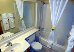 Fairbridge Inn & Suites Sandpoint - Sandpoint - Bathroom